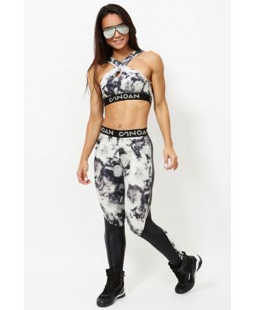 top crto con scollatura accollata, top con fascia sotto il seno logata, top fitness online, top corto stampa particolare