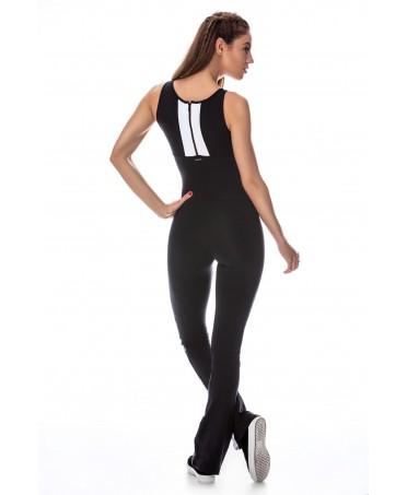 abbigliamento fitness che esalta il corpo e sostiene le forme, traspirante ed antimuffa contrasta i cattivi odori da sudore