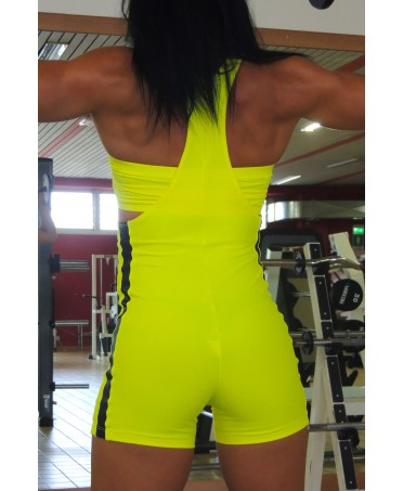 jumpsuit short-yellow for the gym with top ibottito, black bands on either side,