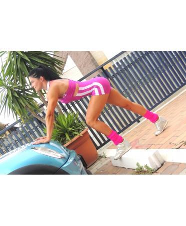 tuta corta e top fuxia per il workout, sostiene e valorizza le forme, effetto push up sui glutei