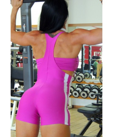 suit woman rowing in supplex shaping control, hidden defects and blemishes, top is padded, which supports the breast