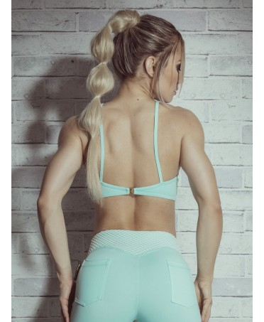 Top body building and sports apparel, under armour, outfits, leggings, grey top to wear with leggings,