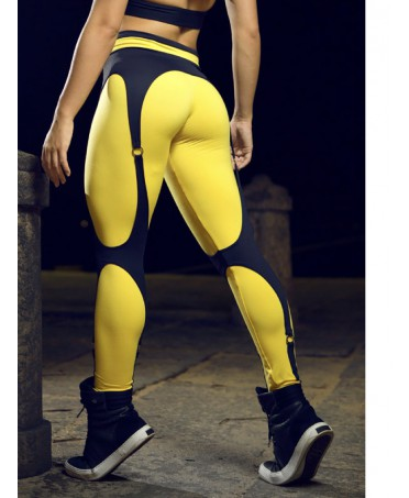 LEGGINGS WITH YELLOW GARTER...